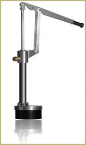 hand-operated-water-pump